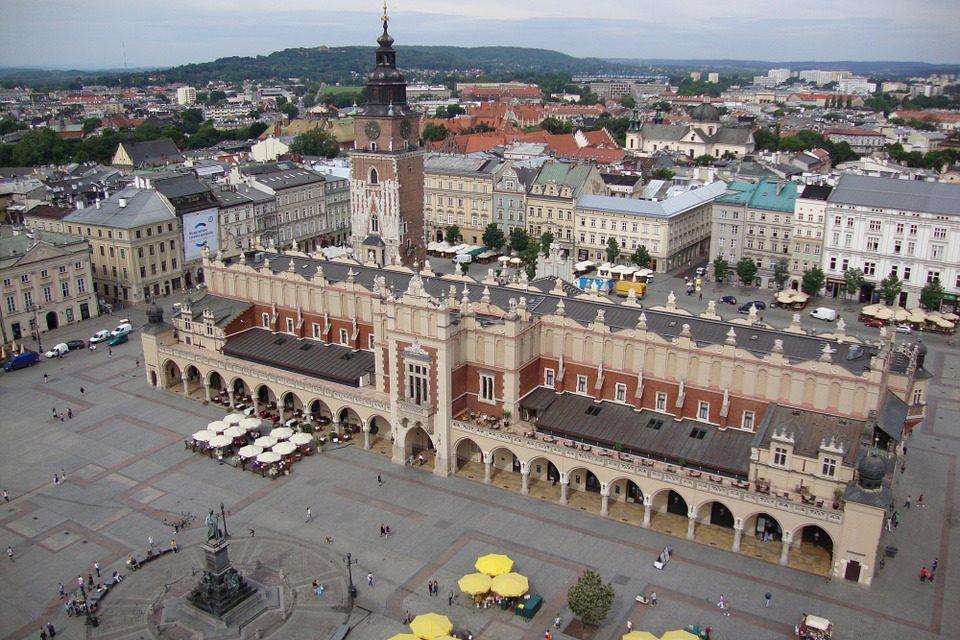 Jakie miejsca koniecznie trzeba odwiedzić, będąc w Krakowie?