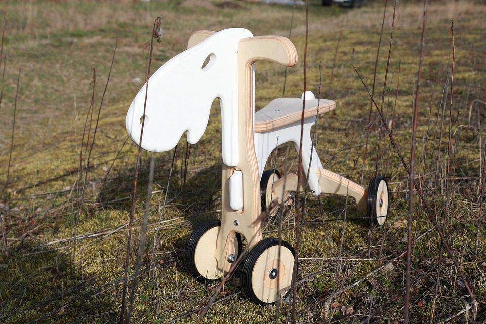 Jeździki – ulubione zabawki energicznych maluchów